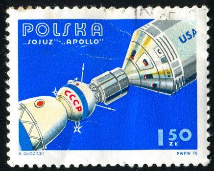POLAND - CIRCA 1975: stamp printed by Poland, shows space satellite, circa 1975.