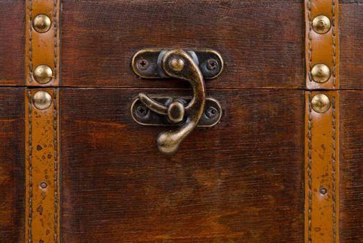 Metallic lock