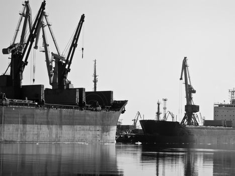 loading in the trade port in black and white