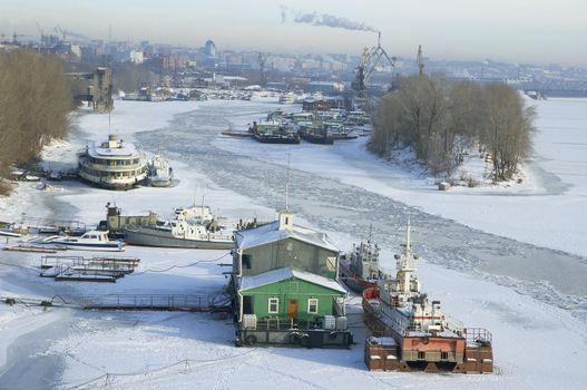 frosty river  Volga in winter