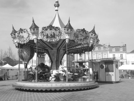 Merry-go-round (carousel)