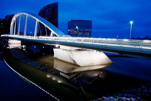 Sailing bridge