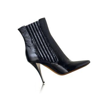 woman shoes , fashion photo, white background