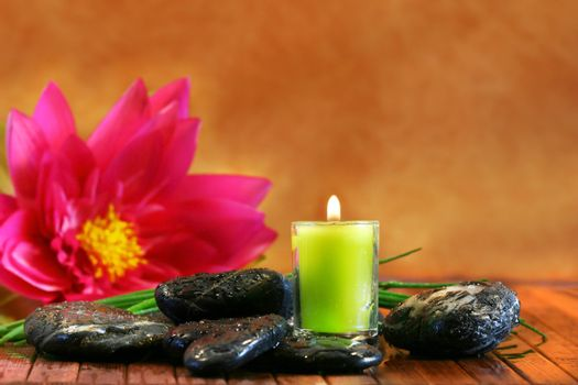 Green aromatherpy candle