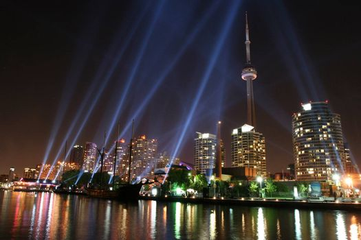 Beams of light in Toronto for the art installation: Pulse Front.