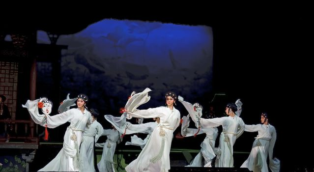 chinese Cantonese opera performers