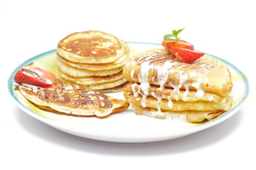 Flitters, Pancakes and Blinnye tubules with strawberry