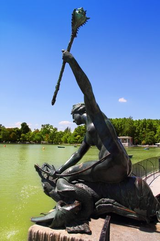 Madrid sirena con cetro mermaid statue in Retiro