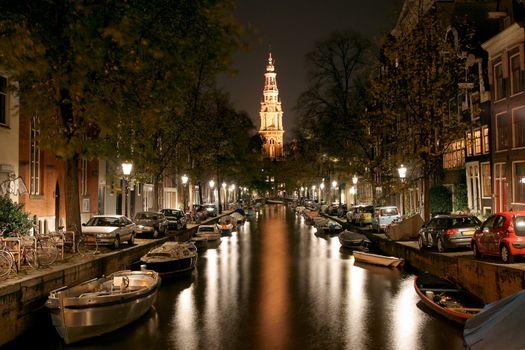 Night walking and sightseeing along Amsterdam streets