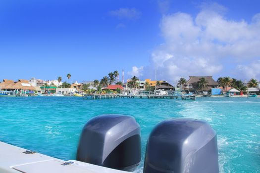 boat outboard stern with prop foam Isla Mujeres