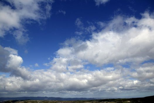 sky in blue with clouds daytime
