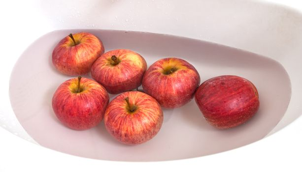 Cleaning apple by washing and soaking is the best way for chemical free