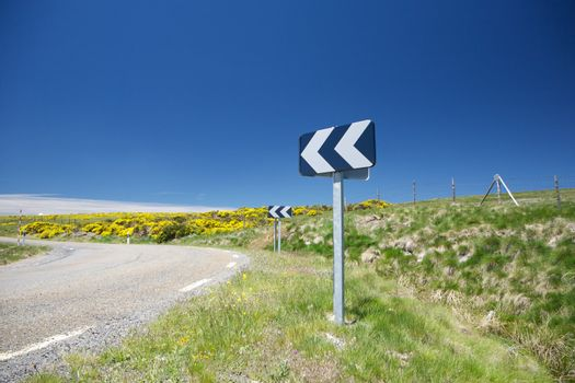 turn signal at rural road