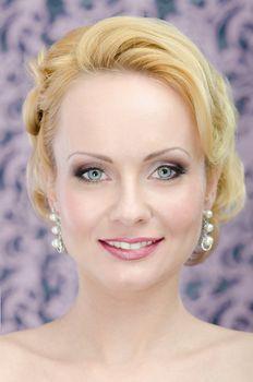 Blonde peauty portrait