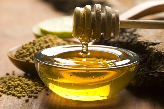 Fresh honey and bee pollen