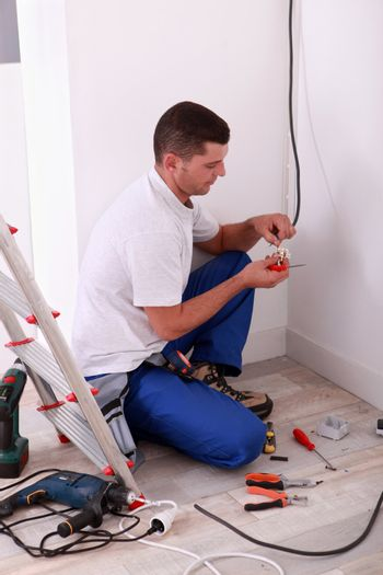 Electrical line splicing