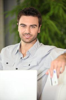 Man shopping on-line