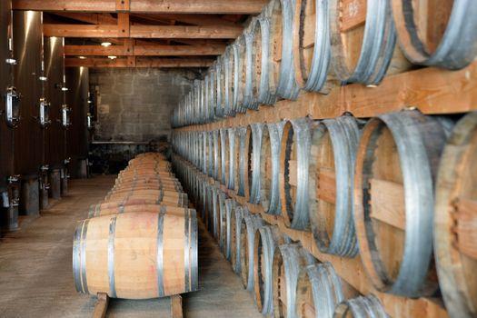 Wine storage cellar