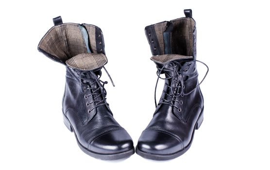 Coarse black shoes with laces