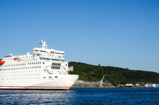 Passenger ferry leaving Oslo