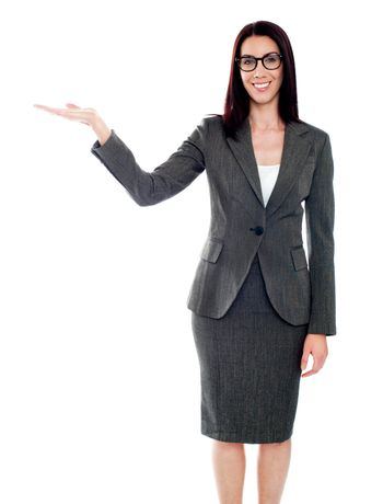 Isolated woman presenting copyspace