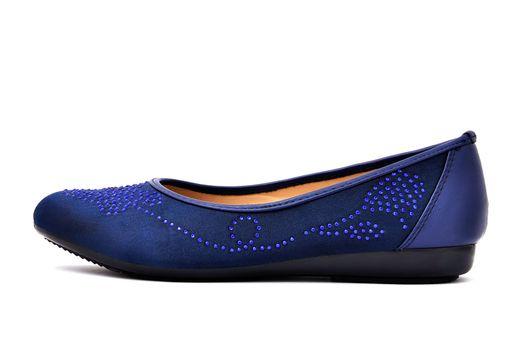 one women's  slipper