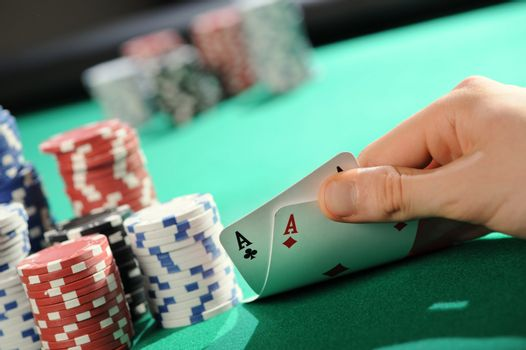 Poker texas holdem: Two Aces