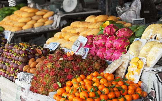 Fresh fruit on the shelves of the Thai market