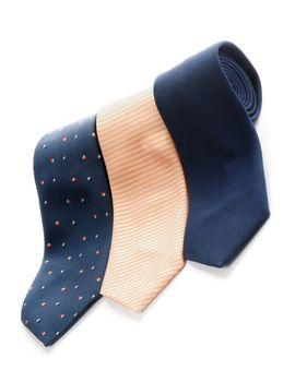 Arrangement of Three Ties