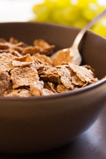 Integral cereal flakes for breakfast