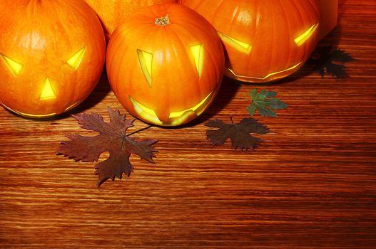 Glowing Halloween pumpkins border