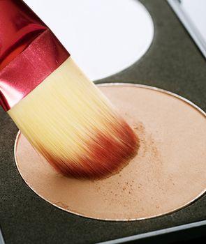 Make-up facial powder. Foundation