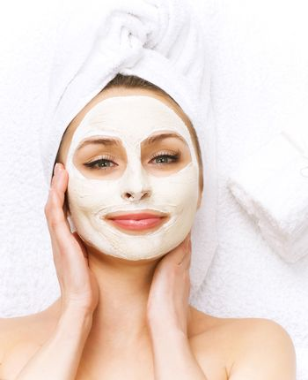 Spa Facial clay Mask. Dayspa