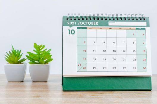 October 2021 desk calendar.