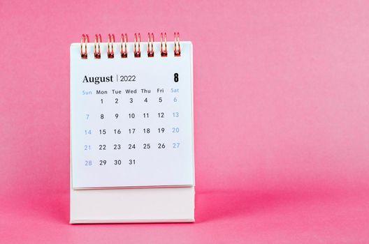 August 2022 desk calendar.