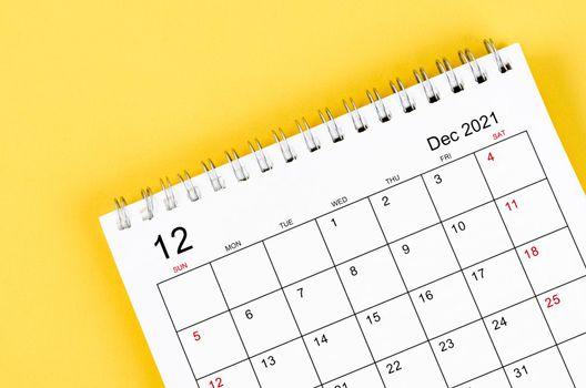 December 2021 desk calendar.