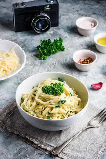 Easy pasta with olive oil and garlic