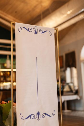 seating plate for restaurant guests