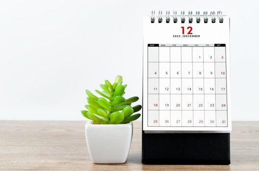 December 2022 desk calendar.