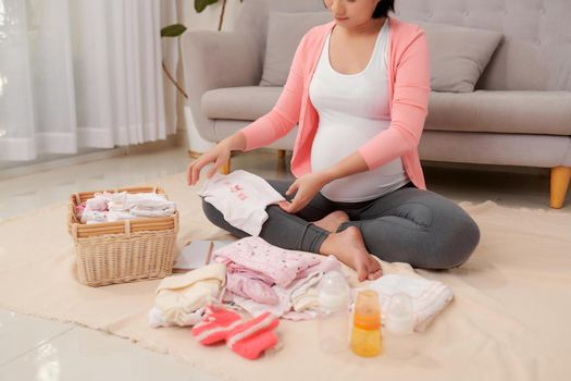 Preparation for newborn birth during pregnancy.
