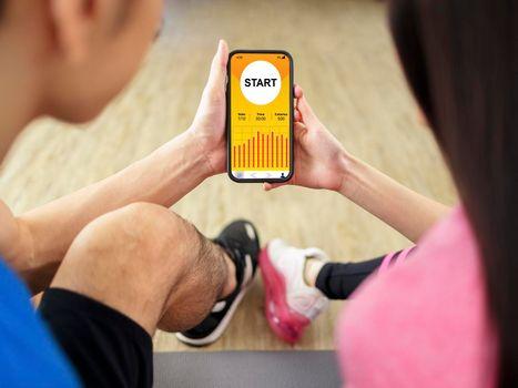 Gym training app in smartphone.