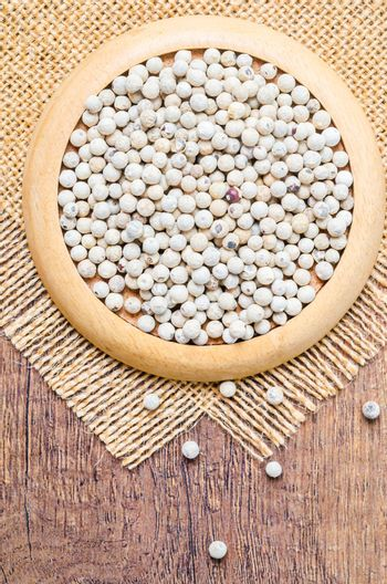 Dried white peppercorn seeds.