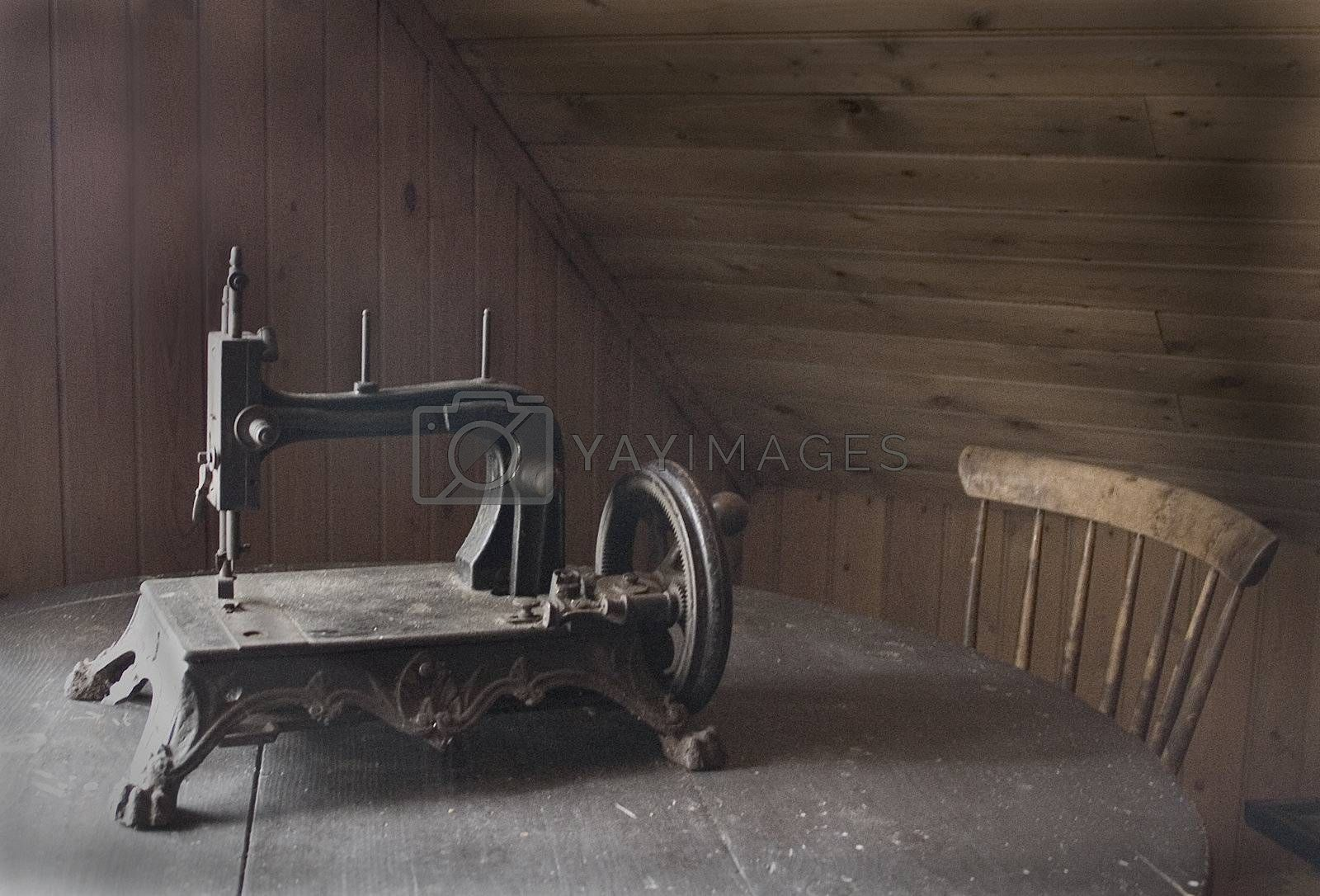 Sewing machine from old days by Bollekjaka
