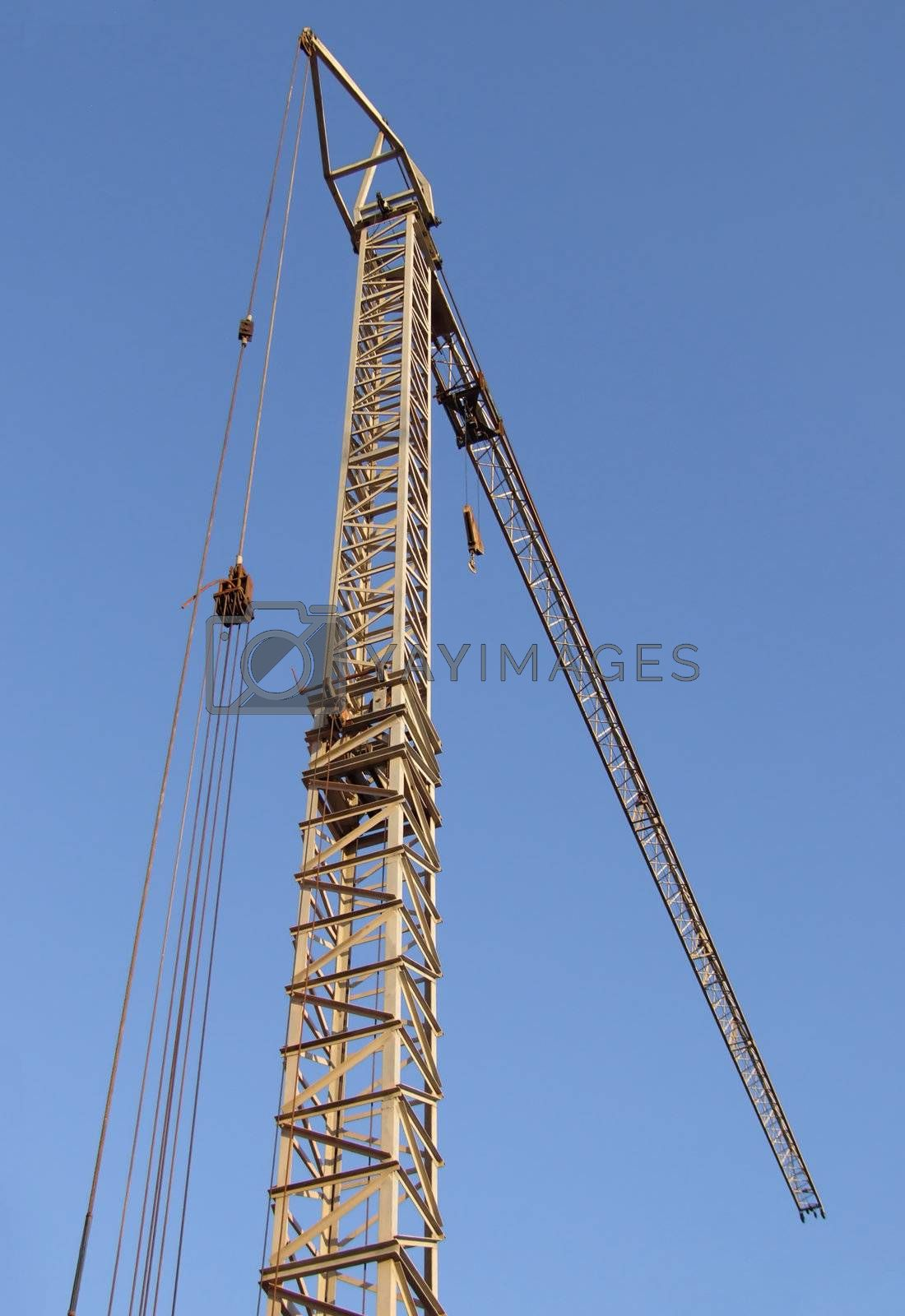 Crane and construction by PauloResende