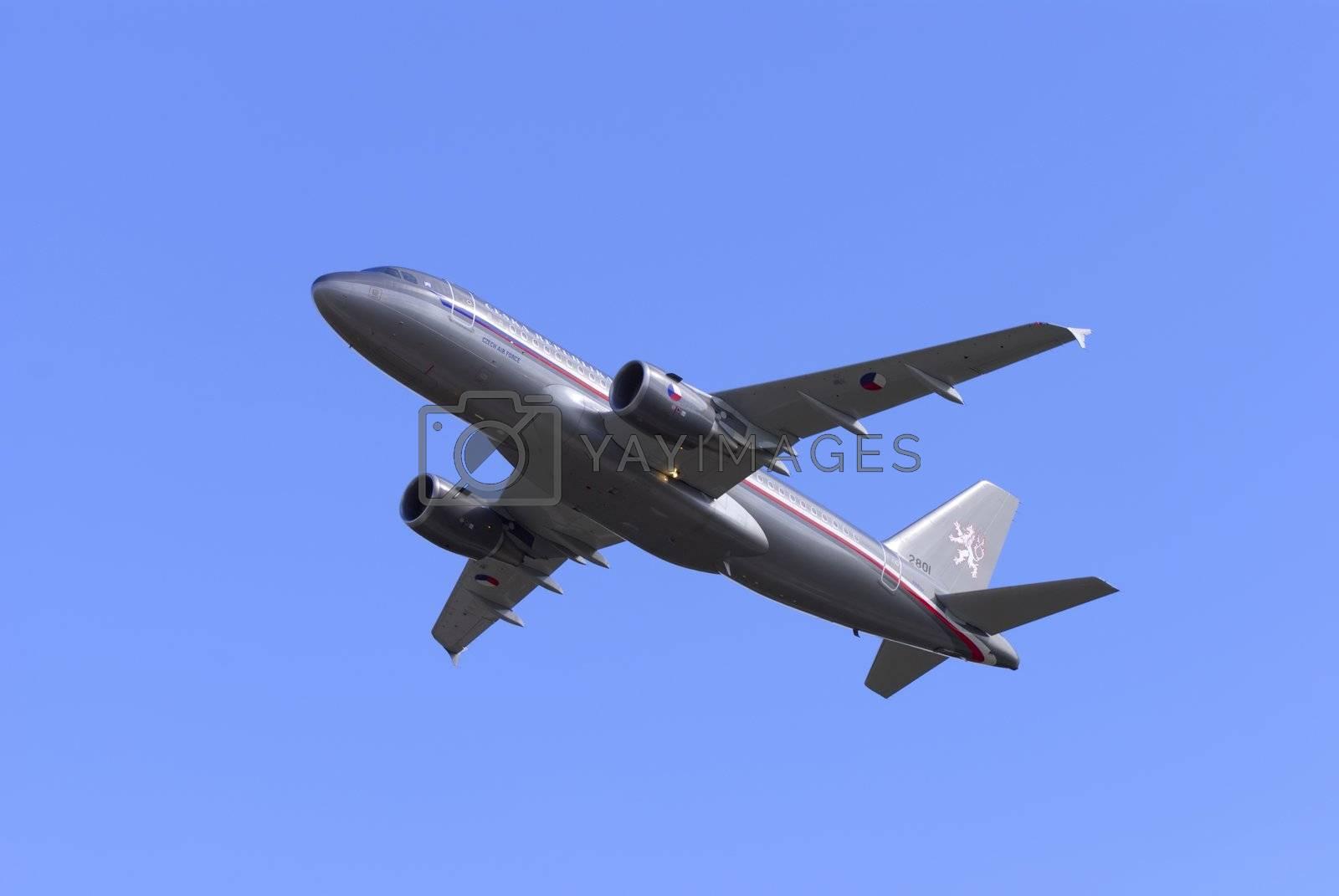 Airbus A319 CJ by martinspurny