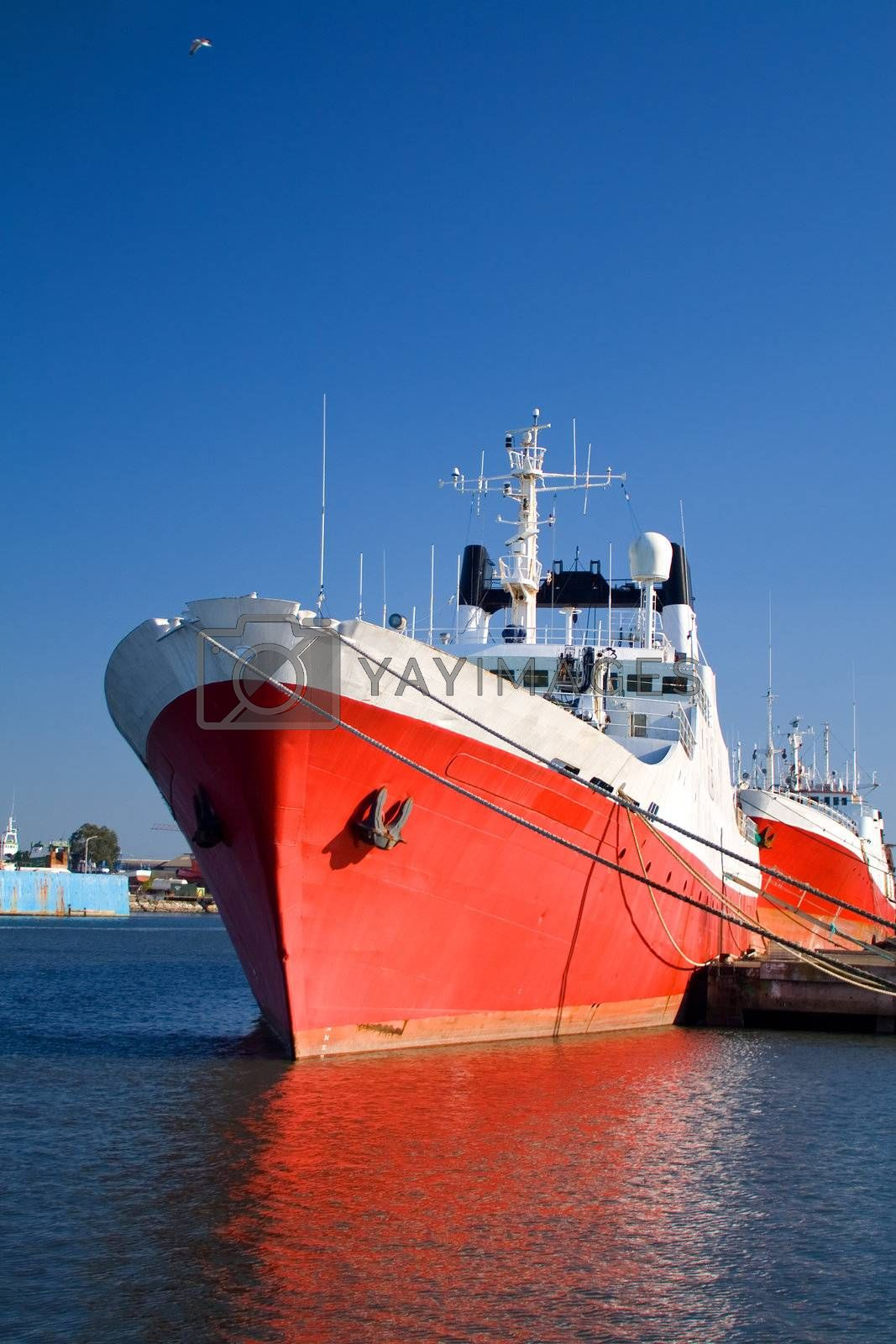 Big red ship by PauloResende