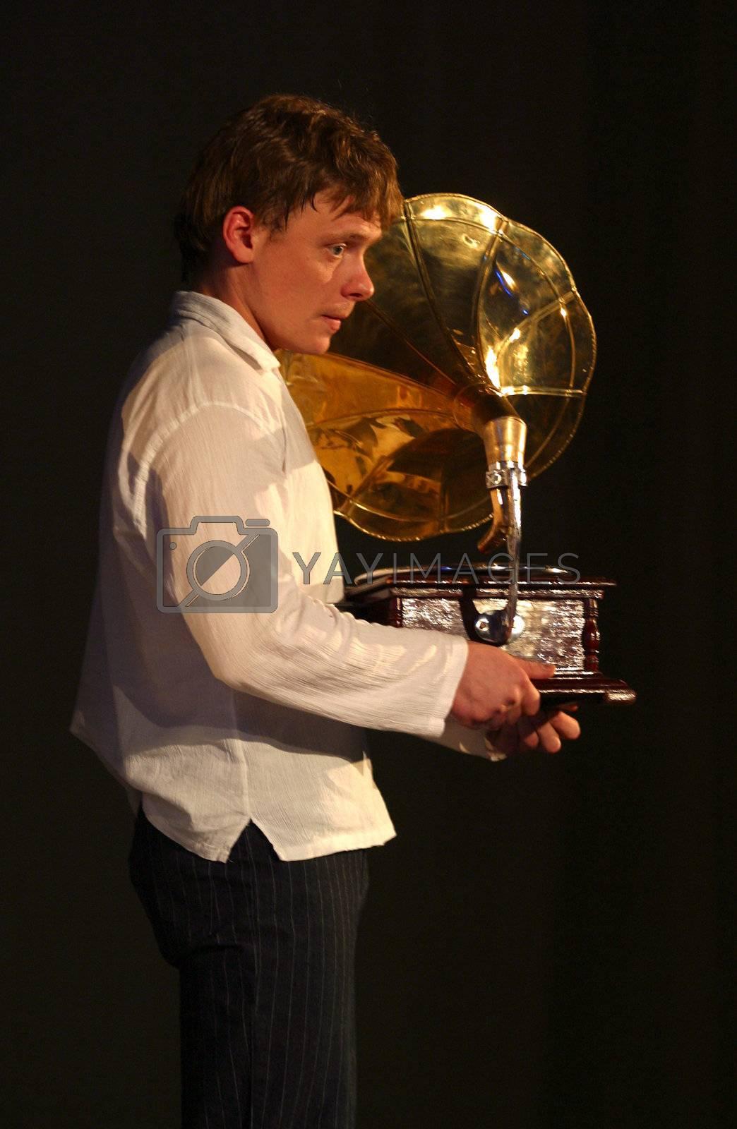 Paul Majkov in performance `Display of love`