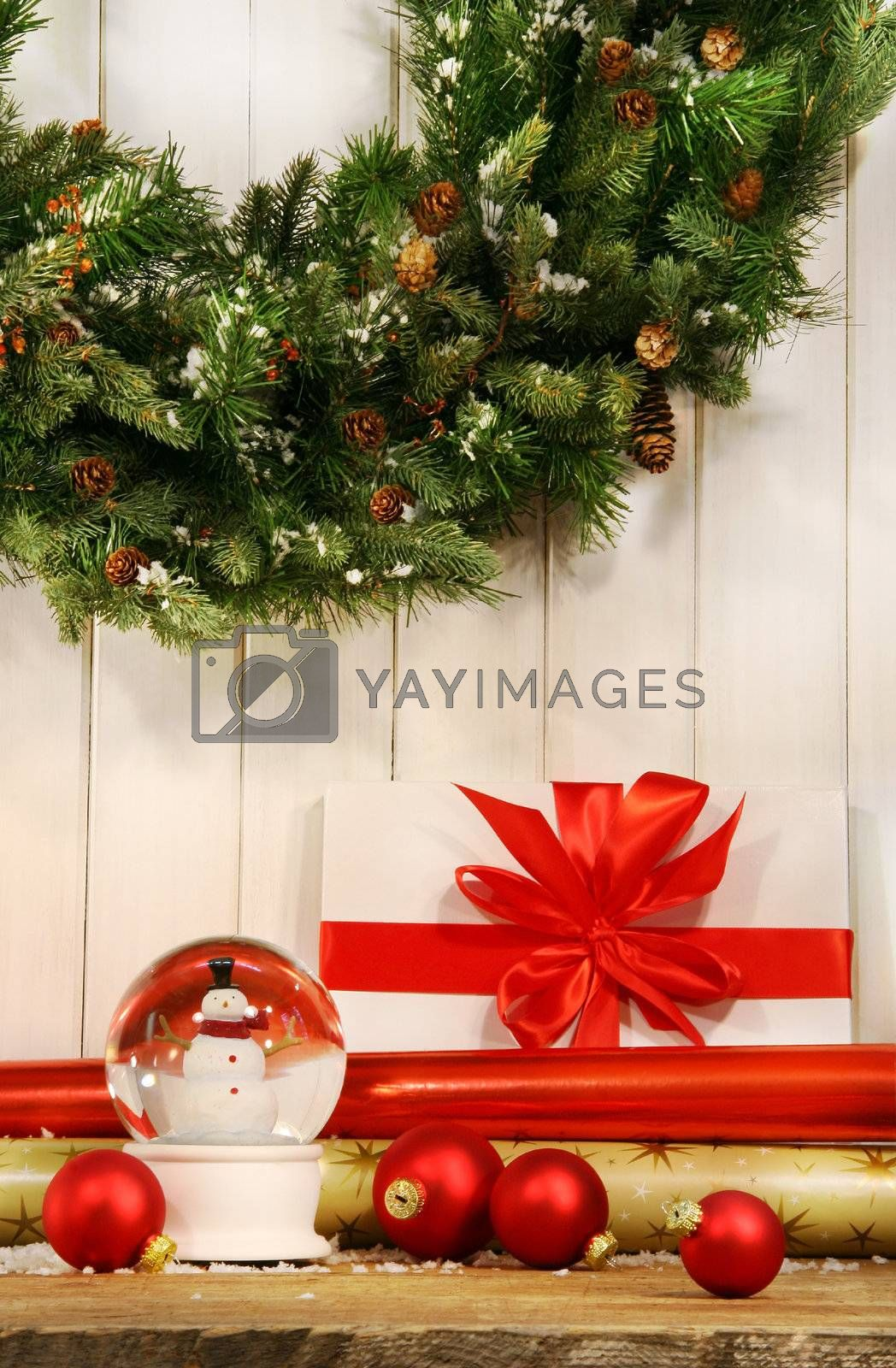 Holiday wreath with snow globe  by Sandralise