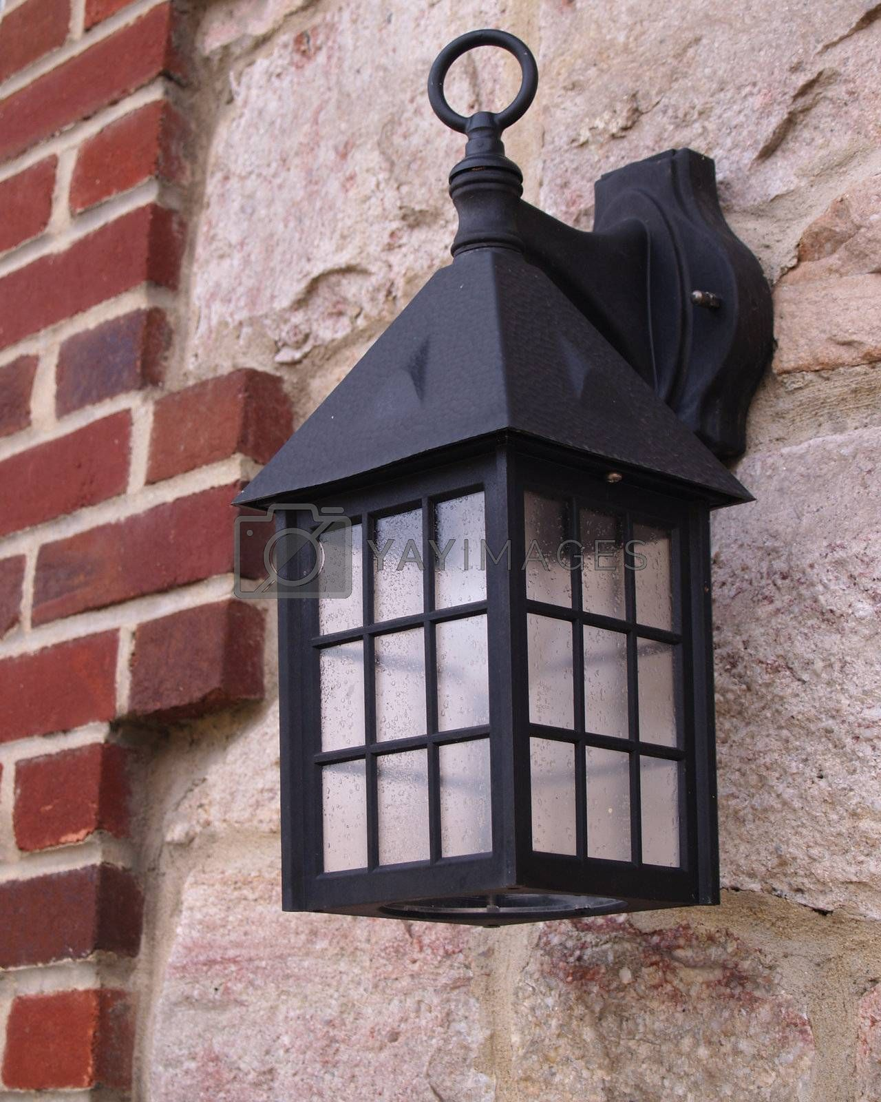 colonial style exterior wall lantern