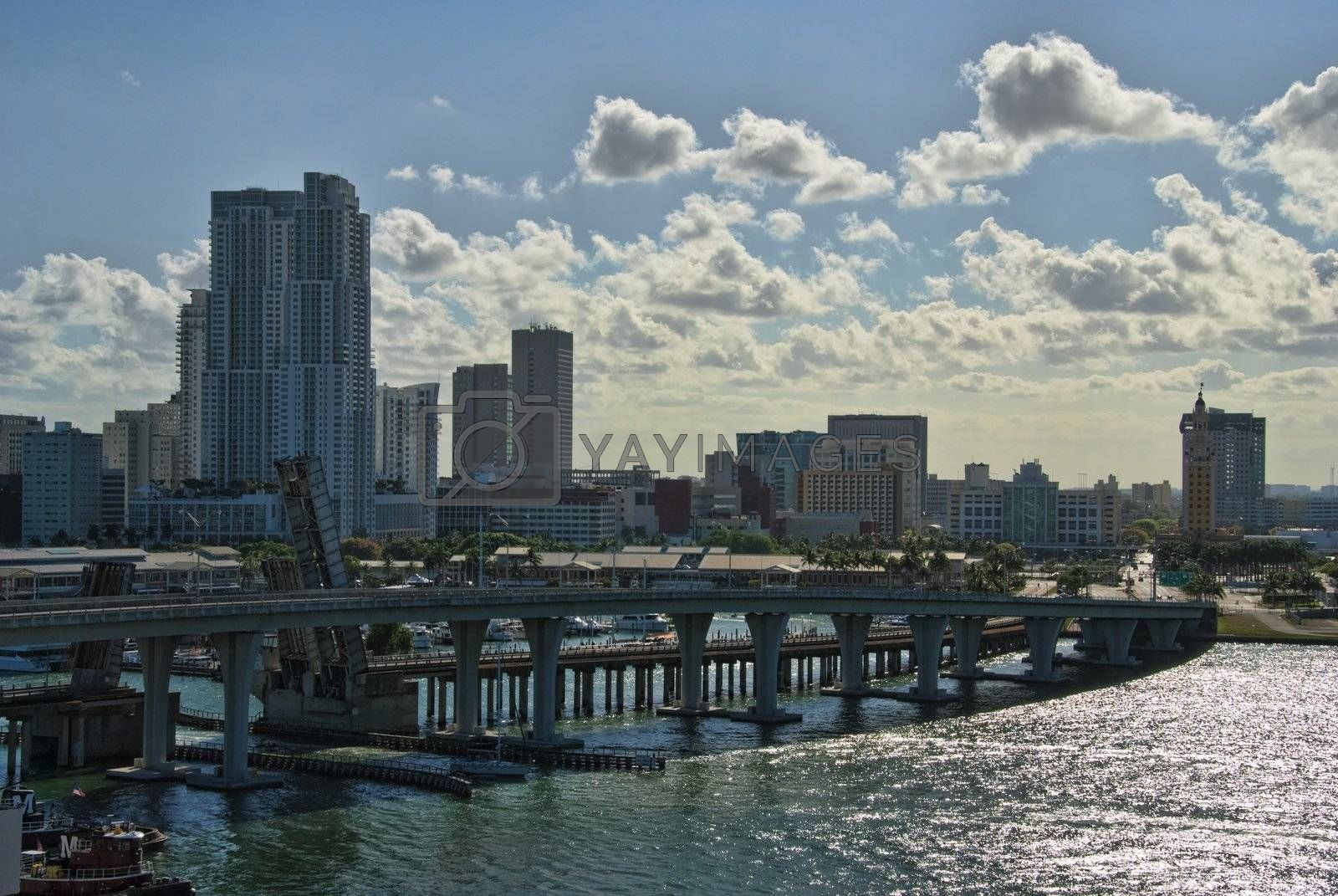 Leaving Miami, Florida by jovannig